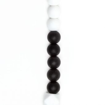 BABBU_SILICONE_BEAD_CLIP_STYLE_ONE_BLACK_AND_WHITE_WITH_WHITE_HEXAGON_ZOOMED